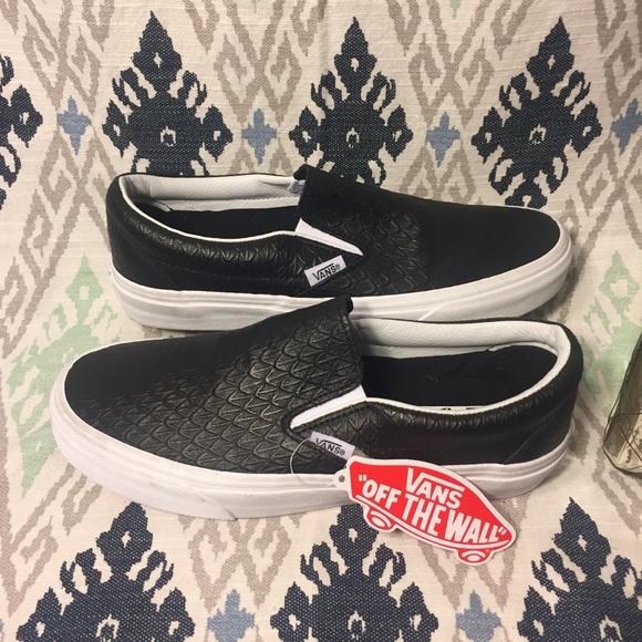 573b74ec1f VANS RARE Black Textured Leather Unisex Slip On 7